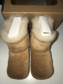 Baby UGGS size S! Excellent condition!