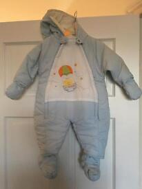 Boys snow suit 0-3 months