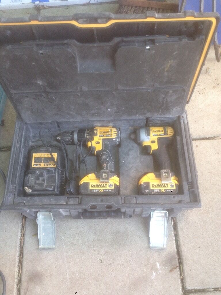 Dewalt twin pack 4 ahmakita sdsin Aspley, NottinghamshireGumtree - Dewalt twin pack 4 ah / Makita sds wired drill had these drills for about a year own never let me down really good reason for selling due to losing my job didnt want to sell but Ive got two I payed 400 pound for the dewalt and 130 for makita I...