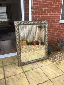 Decorative bevelled edge mirror