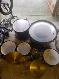 pearl forum drum kit and symbols