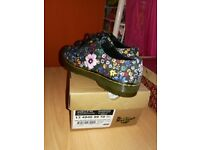 Gorgeous Brand new Dr martens shoes with box