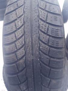 4 PNEUS HIVER - GISLAVED 195 65 15 - 4 WINTER TIRES