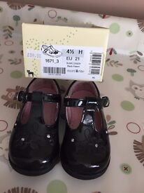 Startrite Black Patent Shoes, Size 4.5 H