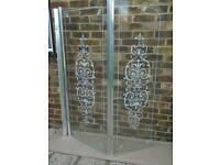 Glass bath shower screen