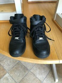 Kids Air Force 1 High Tops Size 6