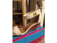 White new look wedge