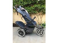 PHIL & TEDS NAVIGATOR 2 DOUBLE BUGGY. COMES WITH SUN VISOR, RAIN COVER AND SECOND SEAT.