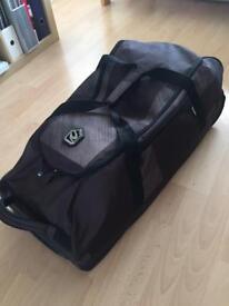 Skiing luggage- Large Rip Curl wheelies holdall