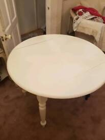 Dining drop leaf table