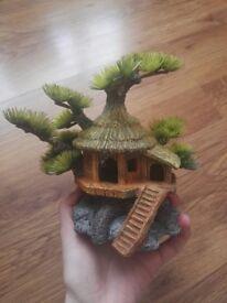 Aquarium house hideaway ornament