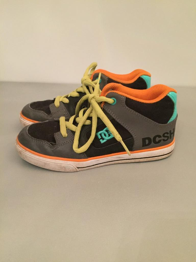 D.C. USA boys trainers