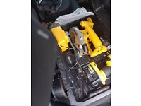 DEWALT CORDLESS COMBI DRILL & CIRCULAR SAW SET WITH CHARGER AND 2 BATTERIES IN HARD CASE