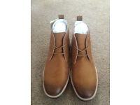 FIND. Men's Chukka Boots in Round Toe Lace Ups Size 9 BRAND NEW WITH TAGS