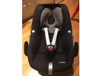Maxi-Cosi Pebble Baby Car Seat with EasyBase2 - near Victoria Station