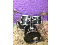 Brilliant Full Size Acoustic Drum Kit