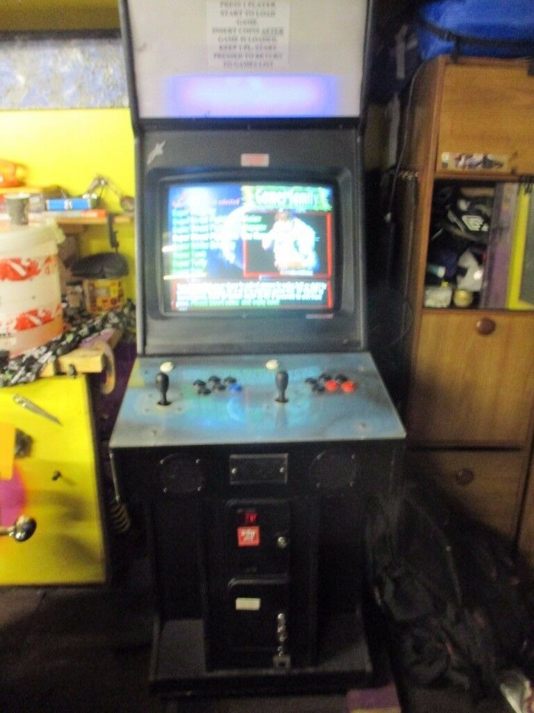 Arcade machine with 1940 games and working coin mech good working order