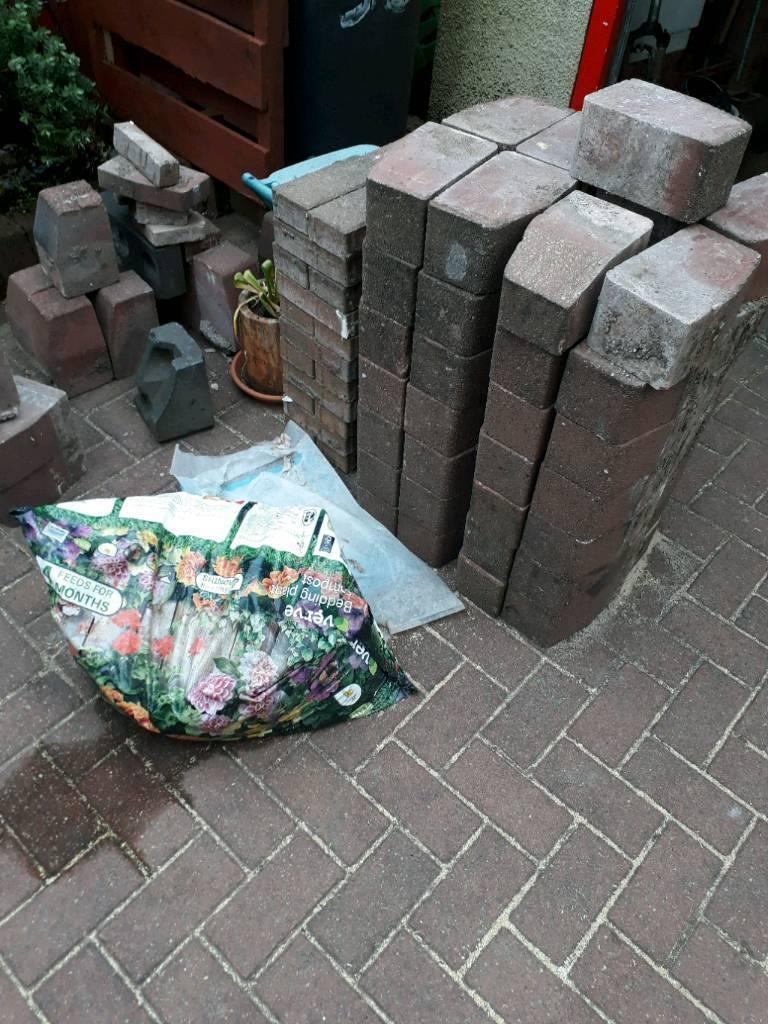 Monoblock edging bricks