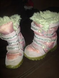 winter boots child size 6