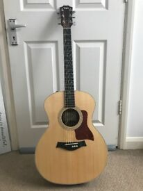 Taylor 214e Deluxe Acoustic Guitar with Case