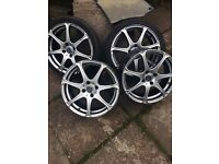 "Wolf race 17"" alloys"