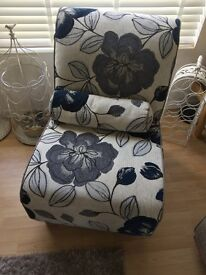 Chair, floral design, great condition. Lovely colours. Navy, grey and cream.
