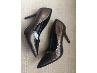 New Debenhams snakeskin high court shoes size 5