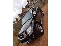 Nissan Navara 2.5 dci Platinum 2013 Double Cab Face-lift Model pick-up.