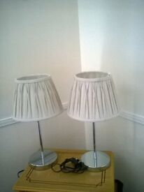 2 matching lamps. £5.