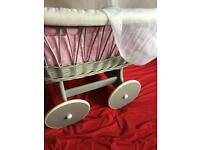 Crib on wheels