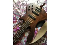 Washburn Taurus T24 Bass guitar