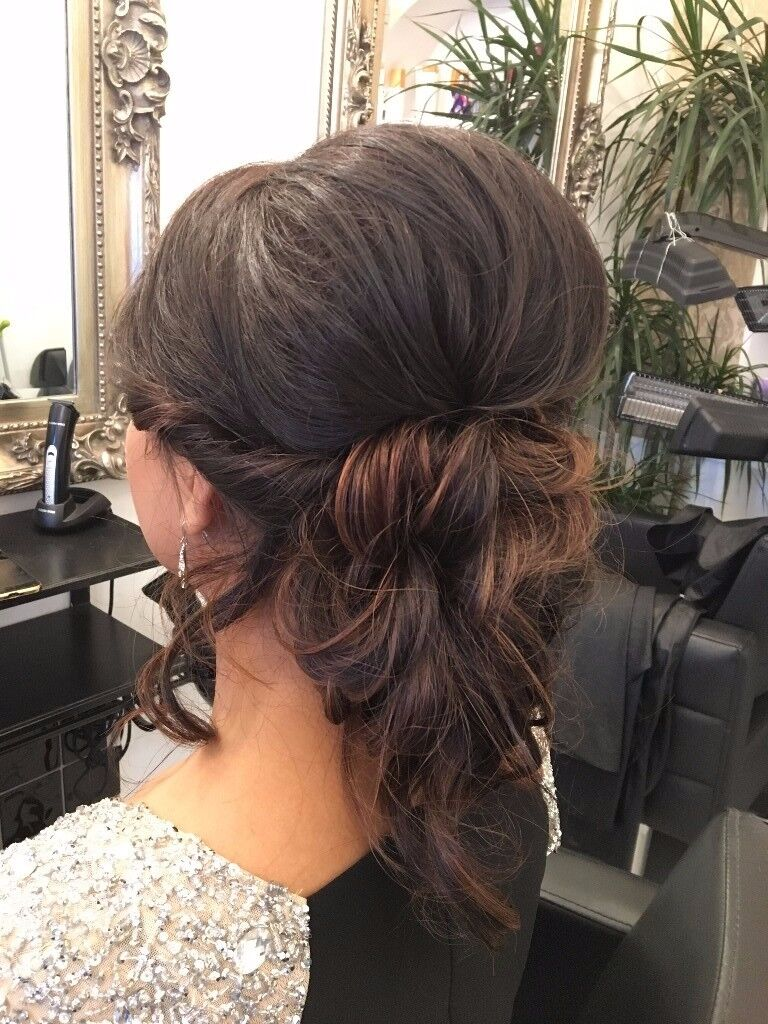 Hair Stylist Wanted / Full-Time or Part-Time
