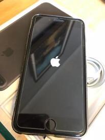 iPhone 7 Plus Unlocked 32 gig ( boxed )