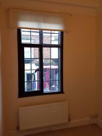Room to rent in the centre of Faringdon Town Centre . Recently decorated and furnished.