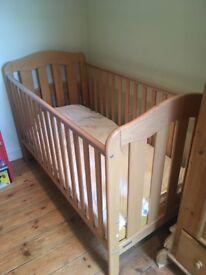 Mamas & Papas Solid Wood Eloise Cotbed