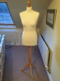 Female tailor's dummy size 8/10