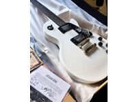 Roll over image to zoom in View large image EPIPHONE LES PAUL STUDIO ELECTRIC GUITAR - ALPINE WHITE