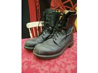 UK Army Boots size 9 M