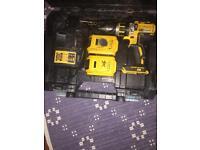 DeWalt DCD776M1T-GB Brushless combi drill