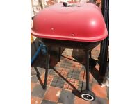CHARCOAL BBQ FOR QUICK SALE, £10 ONLY, BUYER TO COLLECT