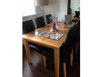 MORRIS FURNITURE OAK DINING TABLE AND 6 BROWN LEATHER CHAIRS £130 ONO
