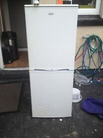 Lec Fridge Freezer in White
