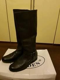 Steve madan boots size 8