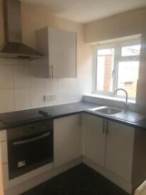 Spacious and clean 1 bedroom flats available Bedford Town Centre