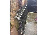 4 Galvanised steel railings 2.78m x 1.07m