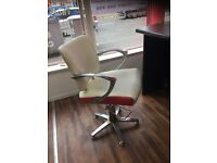 Hairdressing/ barber chairs (3)