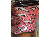 SLOGGERS WELLINGTON BOOTS WITH COWS ON SIZE 5