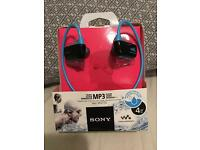 Sony NWZ-W273S 4GB Waterproof All-in-One MP3 Player Blue