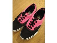 Vans Authentic Style Trainers Skate Shoe Plimsoll UK Size 3, Excellent Used Condition, Black & Pink