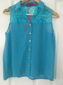 Boohoo blue lace sleeveless blouse